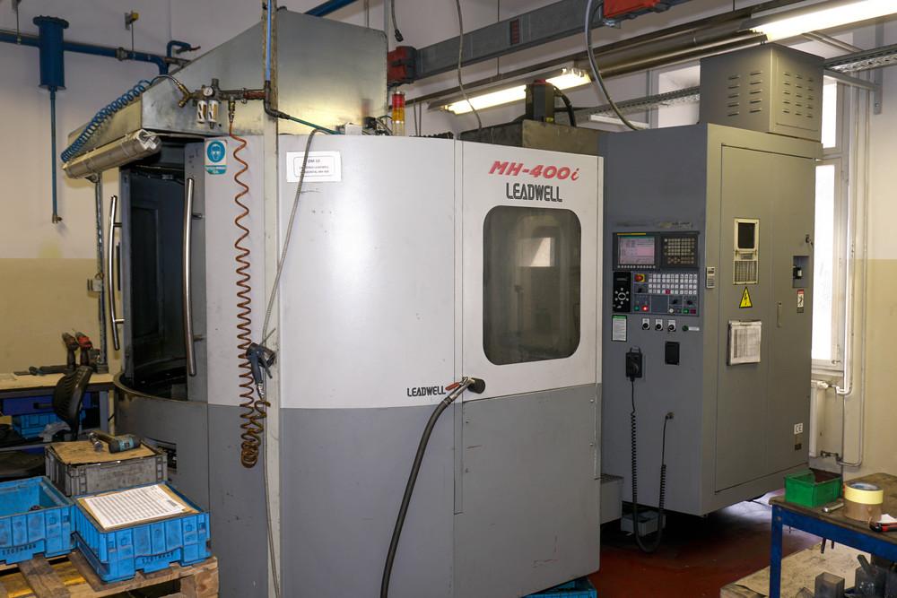 Bearbeitungszentrum Leadwell MH 400i mit zwei paletten