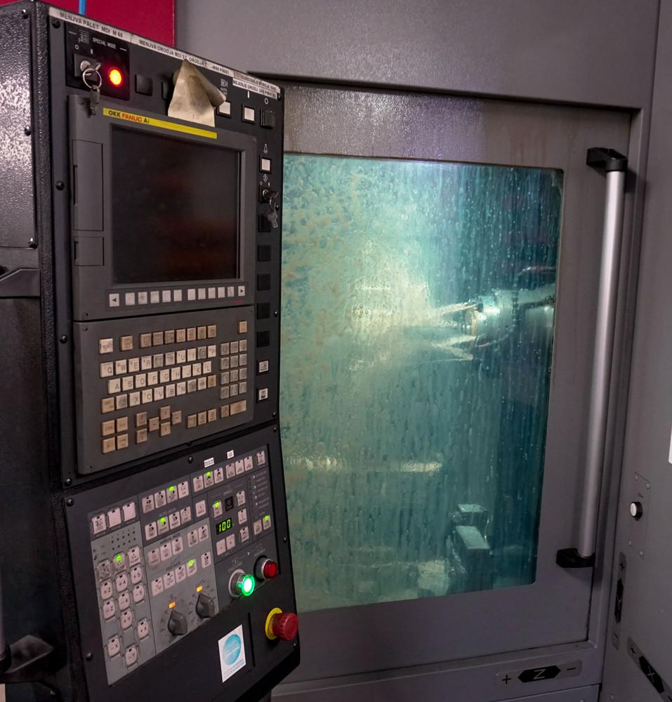 Bearbeitungszentrum OKK HMC400 mit zwei paletten